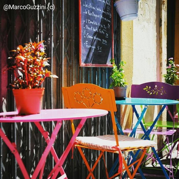 Sedie Colorate ad Arles - Provenza - Fotografia