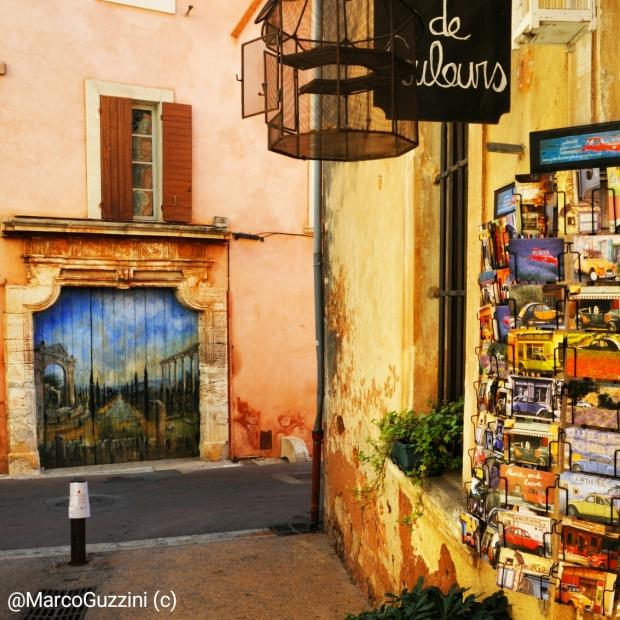 Strade e muri – Roussillon - Viaggio in Provenza