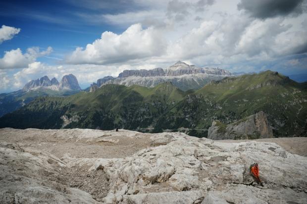 Foto: Gruppo del Sella e Sasso Lungo visti da Pian de Fiacconi (Marmolada)