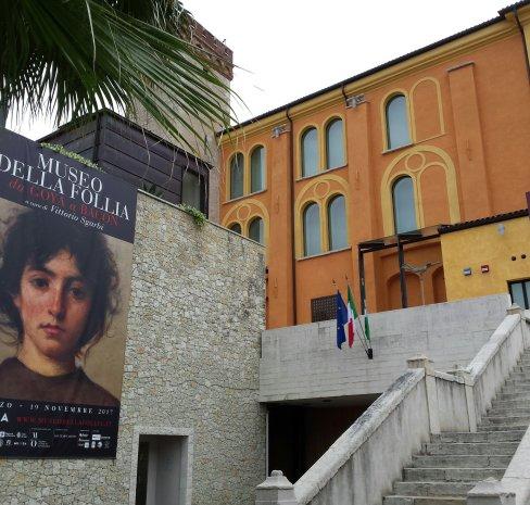 ingresso del Museo della Follia a Salò (MUSA)